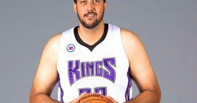 Sim Bhullar, el Gigante efímero indio de la NBA