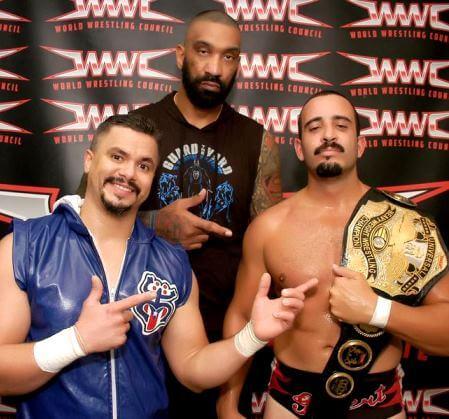 Peter Ramos junto al Campeón de la WWC